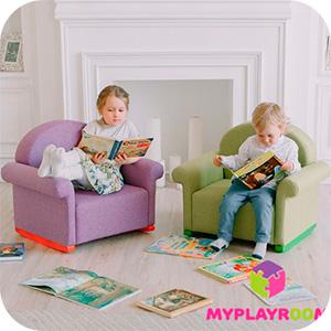 Дети читают книжки