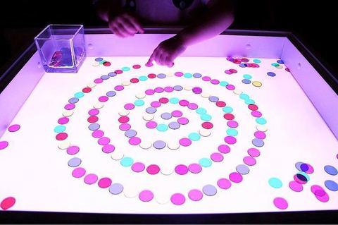Цветные прозрачные фишки