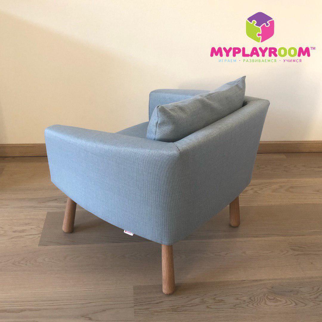 Мягкое кресло в детскую комнату голубое