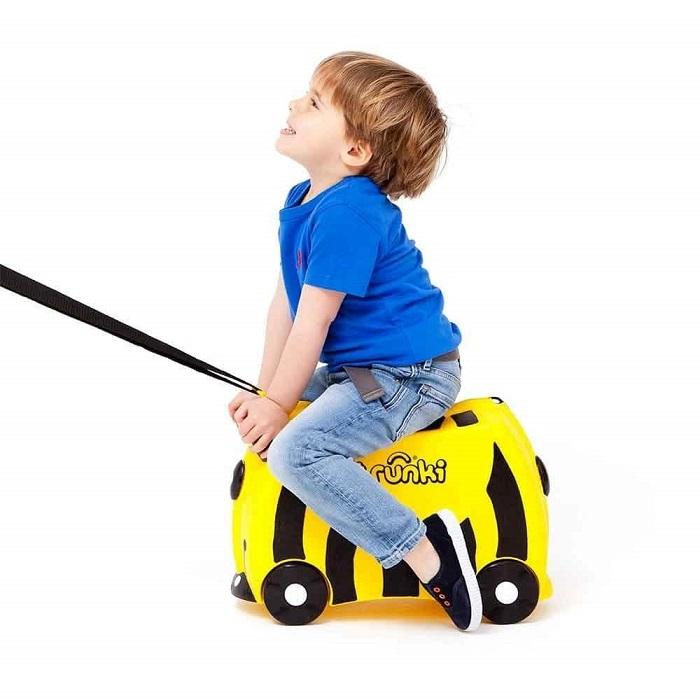 Детский чемодан на колесиках Пчела