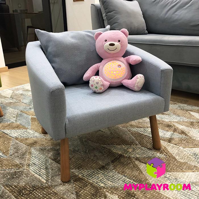 Удобное кресло в детскую комнату голубое